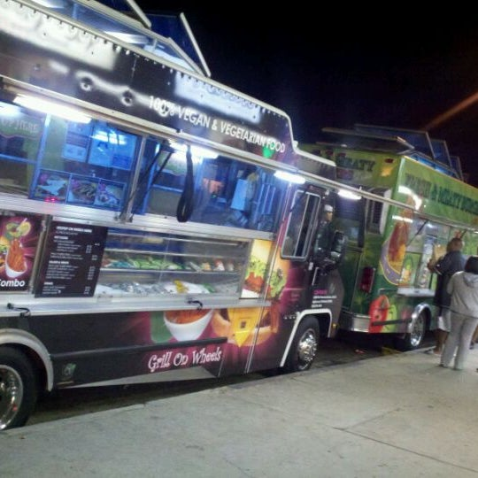 Friday Food Trucks Granada Hills
