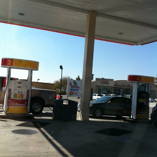 Photo taken at Shell by Faith L. on 2/22/2011