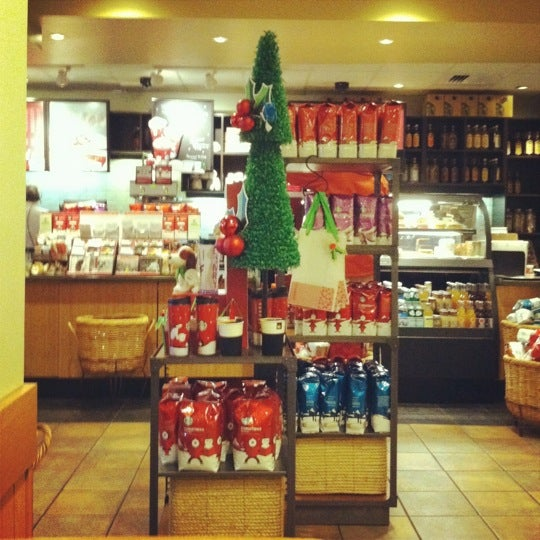 Photo taken at Starbucks by Andy on 11/29/2011