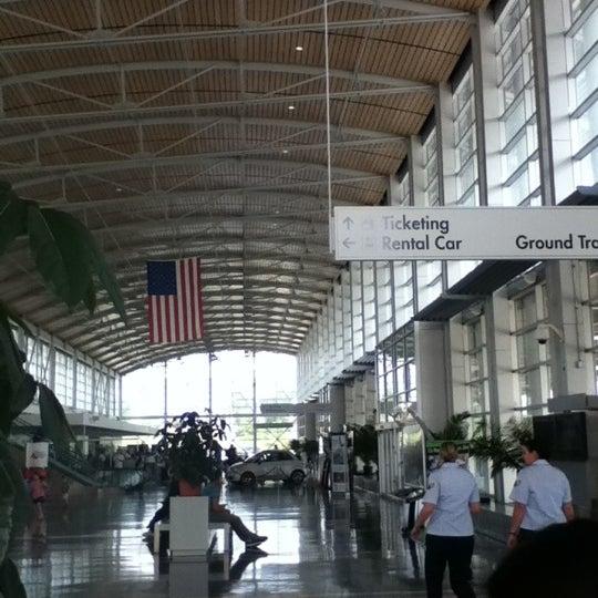 Photo taken at Shreveport Regional Airport (SHV) by Tanakarn T. on 4/2/2012