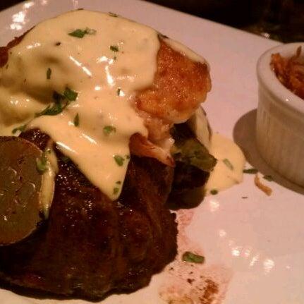 Foto tomada en Taste of Texas por Marie H. el 1/27/2012