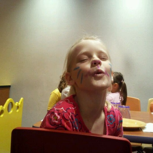 Photo taken at Stonefire Pizza Company by Paul K. on 11/19/2011