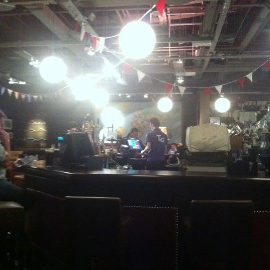 Photo taken at The Tin Goose (Pub & Kitchen) by Hartmut K. on 3/13/2012