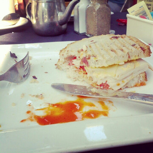 Photo taken at Main Street Bistro and Bakery by Crazylopaz on 7/21/2012