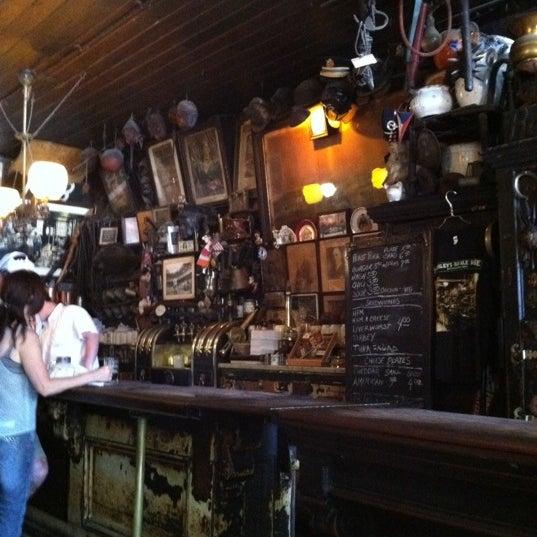 Photo prise au McSorley's Old Ale House par Mike S. le6/16/2012