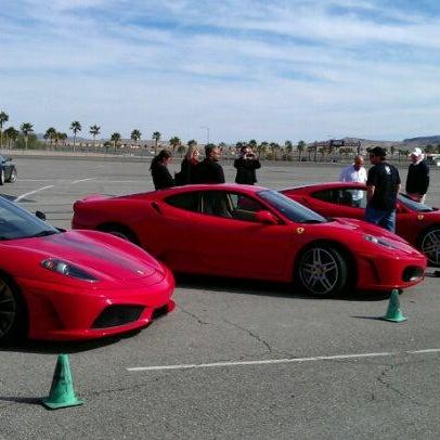 Foto tirada no(a) Exotics Racing por Rex T. em 11/3/2011