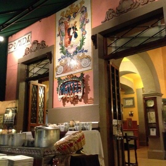 Foto tomada en Hotel Posada Santa Fe por Miguel Angel Z. el 3/11/2012