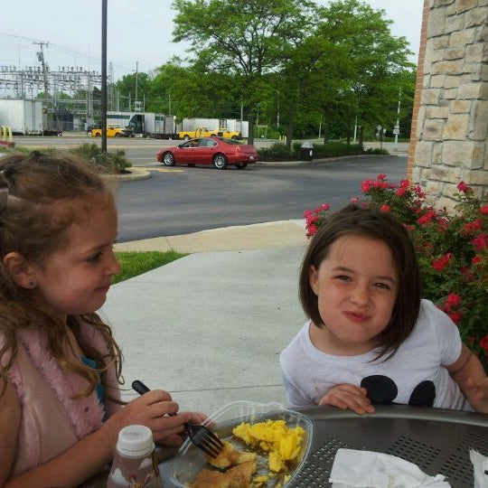 Photo taken at McDonald's by Marlo T. on 5/12/2012