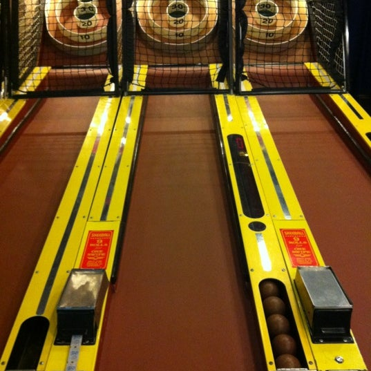 Dave buster 39 s arcade in chicago for Table 52 chicago reviews