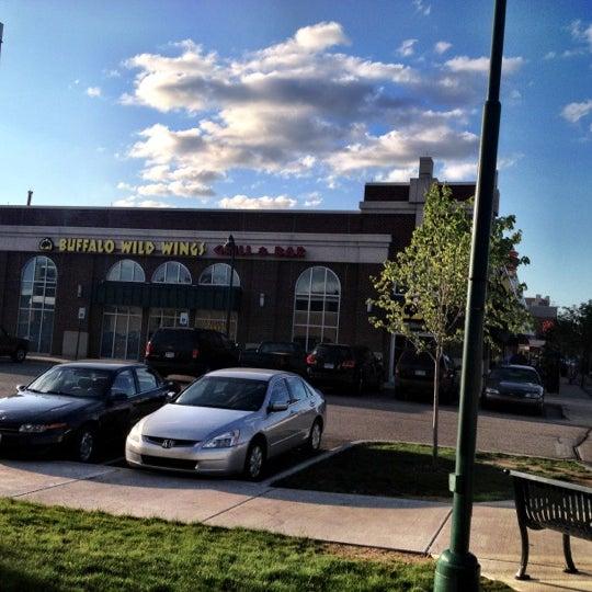 Photo taken at Buffalo Wild Wings by Fabio G. on 5/31/2012