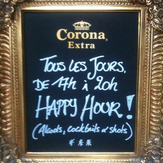 Foto tirada no(a) Le Bar d'Ixelles por Nicolas D. em 7/14/2012
