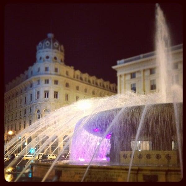 Foto scattata a Piazza de Ferrari da Francesca G. il 3/17/2012