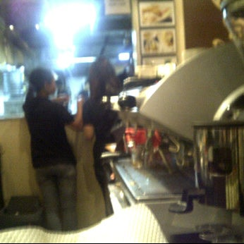 Photo taken at CoffeeBen's & Resto by izianto 2. on 9/6/2011