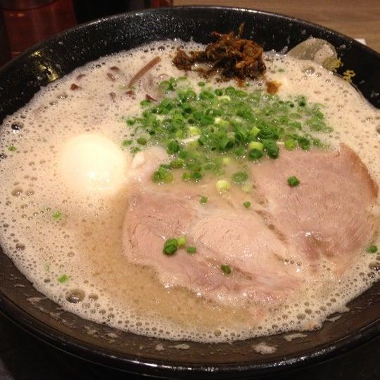 Photo taken at Hakata Ikkousha by Maeda T. on 7/31/2012