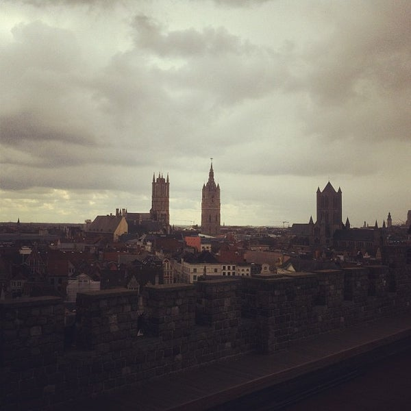 Photo taken at Castle of the Counts by Sam N. on 4/21/2012