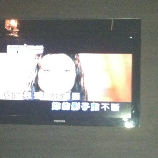 รูปภาพถ่ายที่ KBOX Plus โดย Amy P. เมื่อ 5/26/2012
