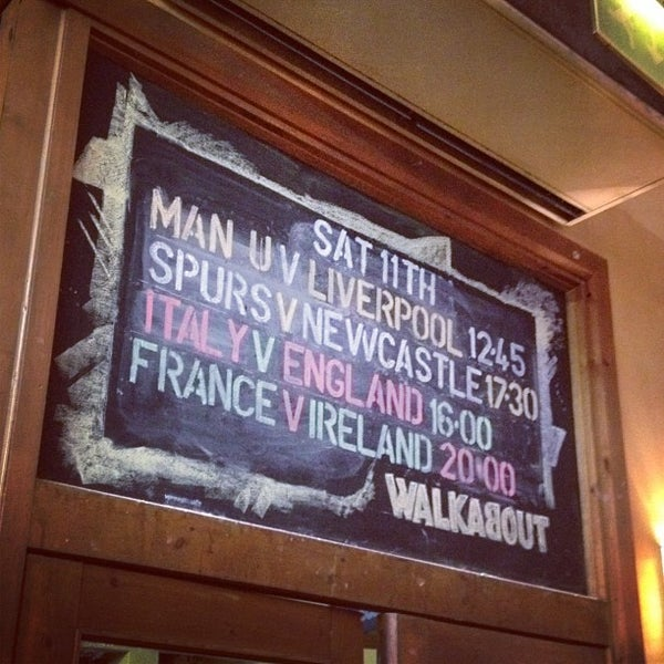 Photo taken at Walkabout Inn by Richard G. on 2/10/2012