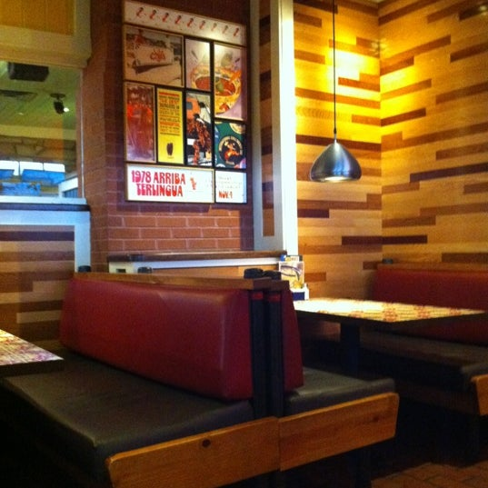 Photo taken at Chili's Grill & Bar by Kendal R. on 7/12/2012