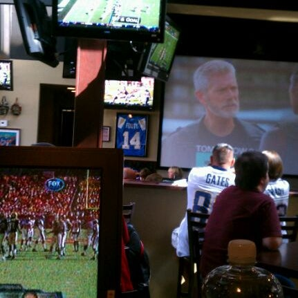 Photo taken at Stadium Sports Bar & Restaurant by @SocialSweet S. on 10/16/2011
