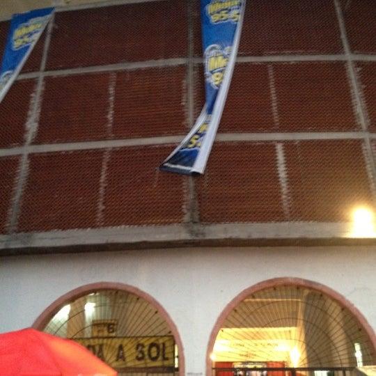 Foto tomada en Plaza de Toros Nuevo Progreso por Ivan O. el 5/20/2012