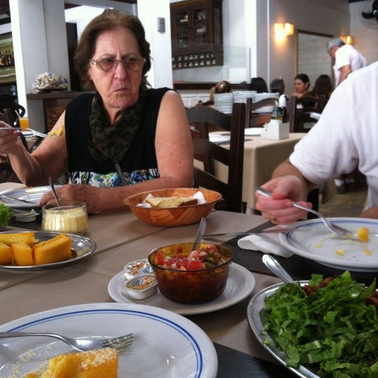 Foto tirada no(a) Cantina Dilda por Meire T. em 2/17/2012
