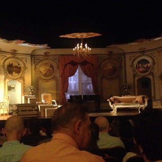 รูปภาพถ่ายที่ Belasco Theatre โดย Micah M. เมื่อ 6/24/2012
