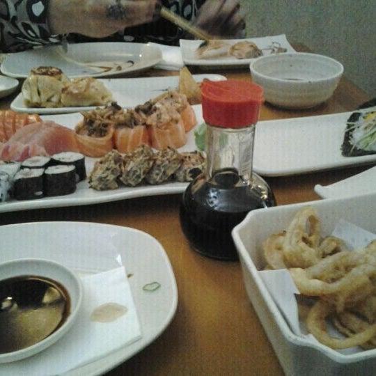 Foto tirada no(a) Sushi Koba por Derec D. em 10/26/2011