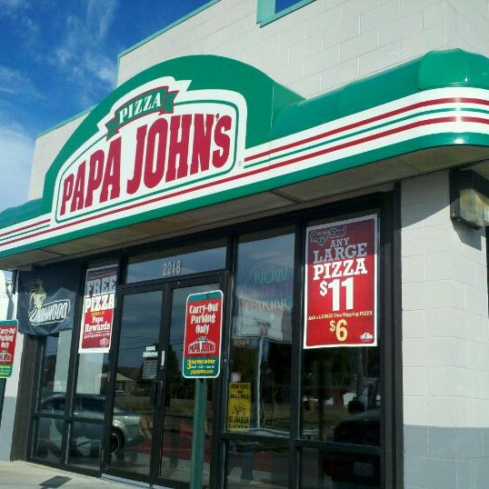 Average Papa John's hourly pay ranges from approximately $ per hour for Food Service Worker to $ per hour for Deli Associate. The average Papa John's salary ranges from approximately $15, per year for Front End Associate to $72, per year for Director of Operations.