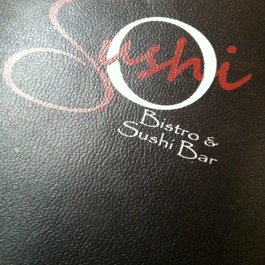 Photo prise au Sushi O Bistro par Shari D. le2/14/2012