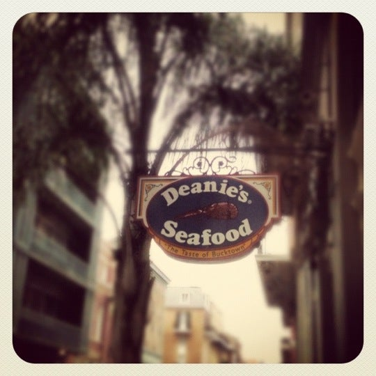 Photo taken at Deanie's Seafood by Nicole C. on 7/28/2012
