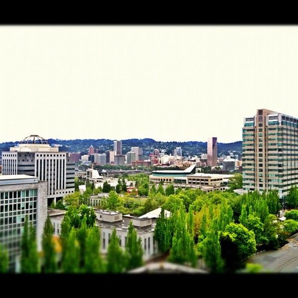 Photo taken at DoubleTree by Hilton Hotel Portland by fireminx (Lily) on 5/28/2012