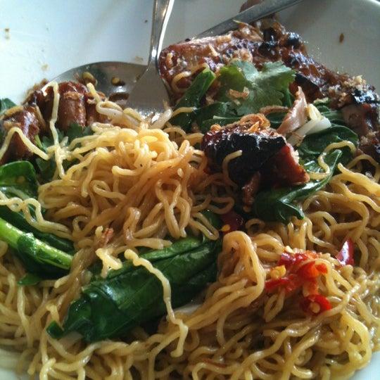 Photo taken at Taste of Thai by Lester M. on 4/27/2012