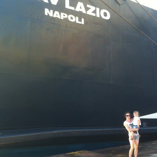 Photo taken at Calata Porta di Massa by Nikita F. on 8/29/2012