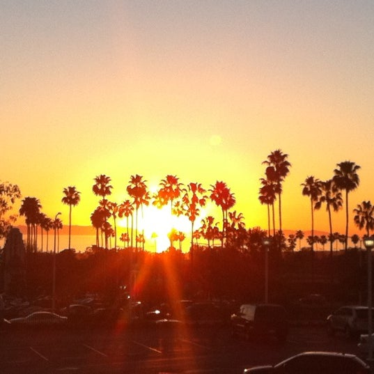 Photo taken at Fashion Island by Angelina T. on 4/25/2011