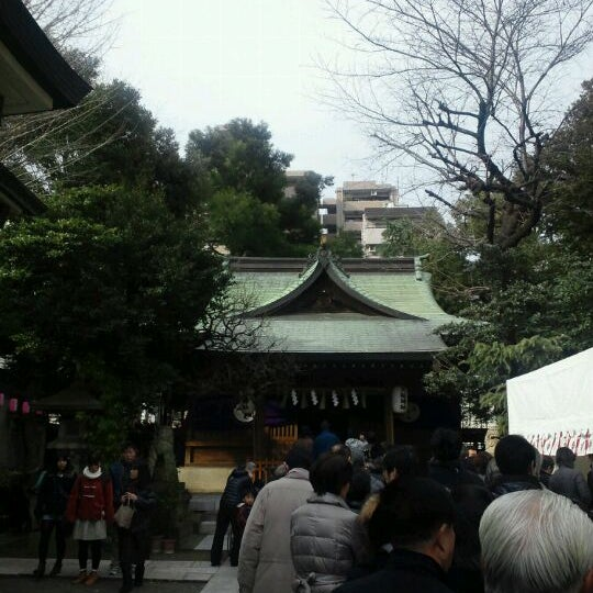 Photo taken at 大塚天祖神社 by ring2chang on 1/1/2012