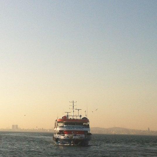 Photo taken at Büyükada Mavi Marmara Motor İskelesi by Banu Y. on 5/1/2012