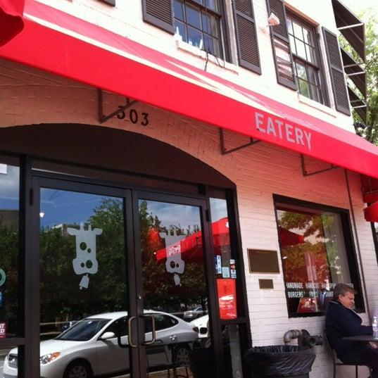 Das Foto wurde bei Good Stuff Eatery von Martha F. am 5/10/2012 aufgenommen