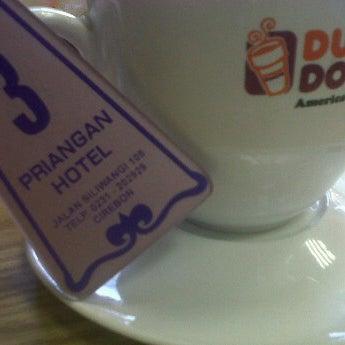 Photo taken at Dunkin Donuts by petjoen T. on 11/26/2011
