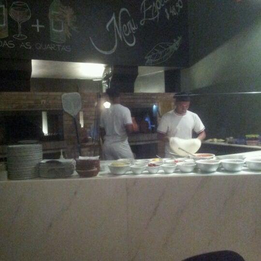 Foto tirada no(a) Domenico Pizzeria Trattoria por nico em 5/25/2012