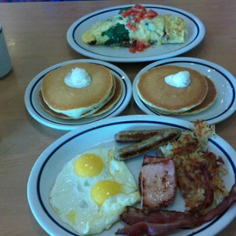 Photo taken at IHOP by MT on 10/14/2011
