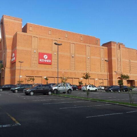 Photo taken at Shopping Iguatemi by Henrique G. on 1/16/2012