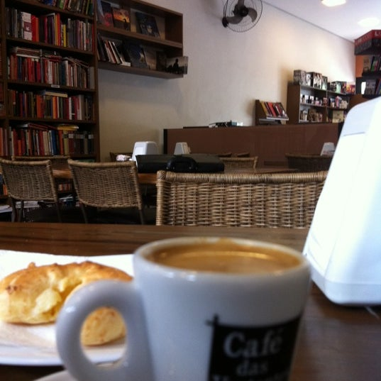 Photo taken at Café Book by Rodrigo P. on 11/21/2011