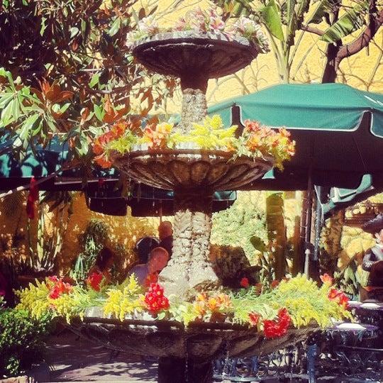 Foto tomada en El Patio por Hugo M. el 5/27/2012