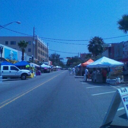 Photo taken at 5 Points Spring Fest by Jeni P. on 5/26/2012