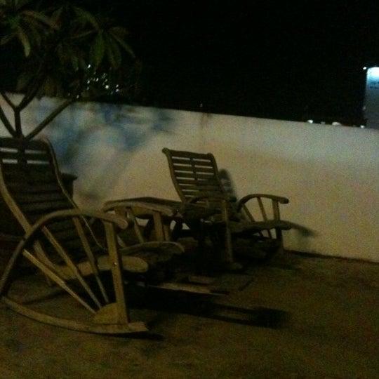 9/12/2012 tarihinde Laura R.ziyaretçi tarafından Udee Bangkok Hostel'de çekilen fotoğraf