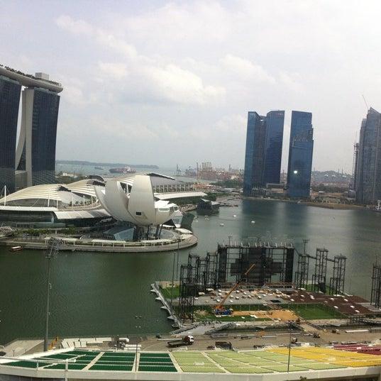 Photo taken at The Ritz-Carlton Millenia Singapore by Olga K. on 8/16/2012