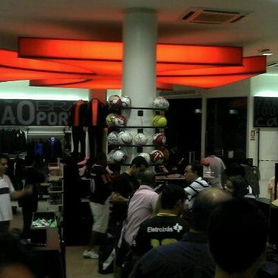 Foto tirada no(a) Mega Loja Gigante da Colina por Licinio J. em 3/28/2012