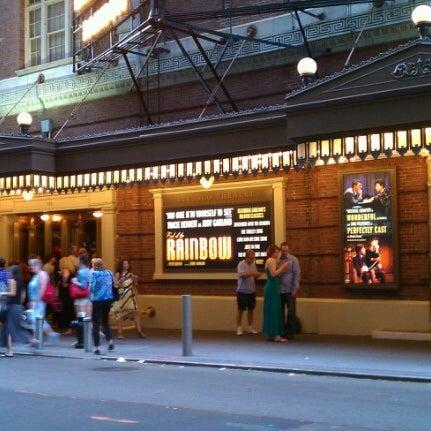 รูปภาพถ่ายที่ Belasco Theatre โดย Kris E. เมื่อ 7/14/2012