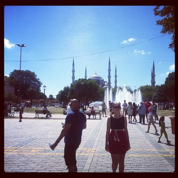 Das Foto wurde bei Ayasofya Hürrem Sultan Hamamı von Jay R. am 9/1/2012 aufgenommen