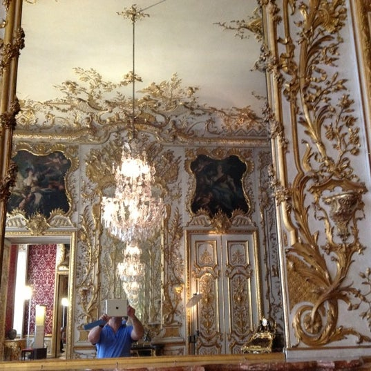 Photo taken at Residenz by Gilson G. on 7/2/2012